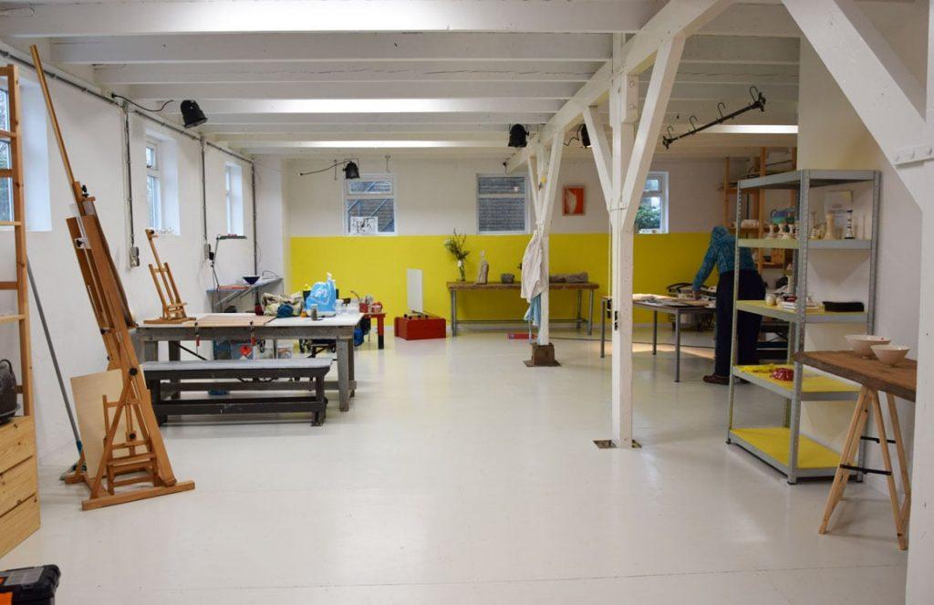 Atelierruimte voor keramiek en modeltekenen